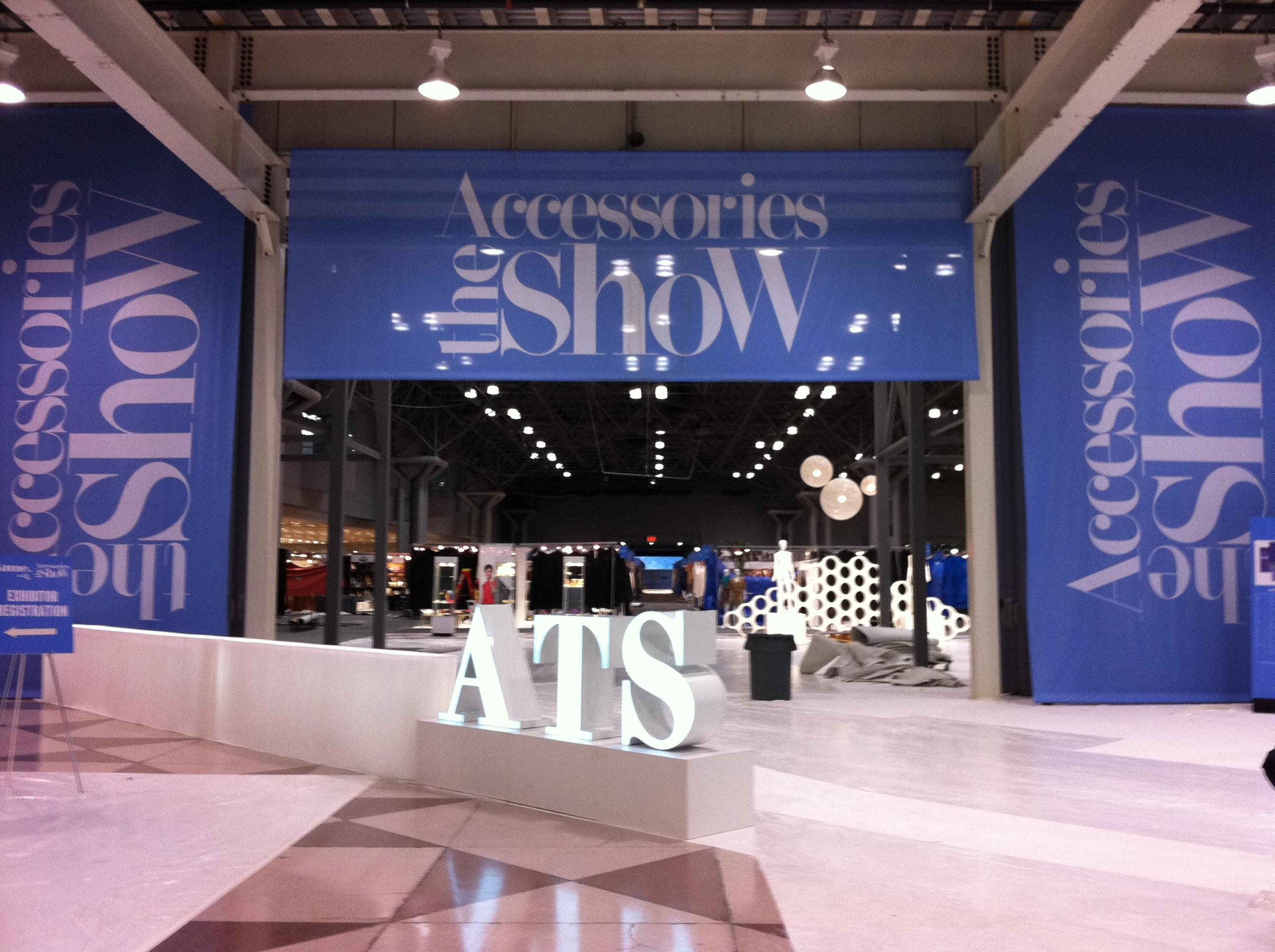 Accessories The Show Las Vegas